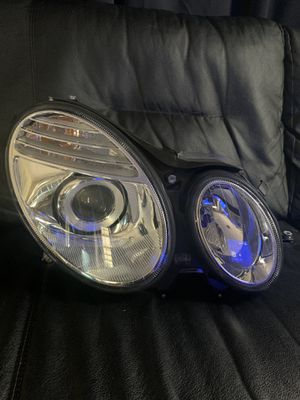 2007 2008 2009 Mercedes-Benz E350 Right Headlight Aftermarket(NSF certified ) OEM for Sale in Dallas, TX