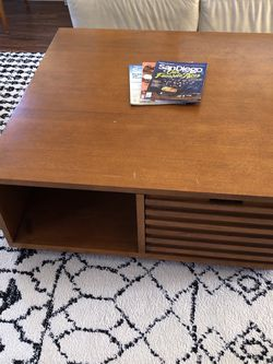 Crate & Barrel Coffee Table for Sale in Del Mar,  CA