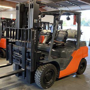 2015 Toyota 8FG35U 8K Capacity Forklift for Sale in La Verne, CA