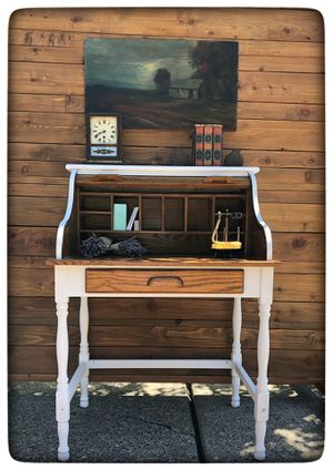 Gorgeous Roll Top Desk for Sale in West Linn, OR