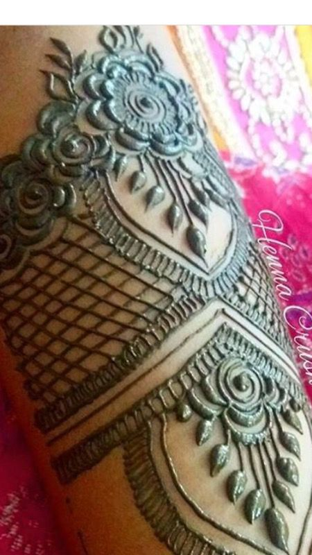 Henna details for ladies