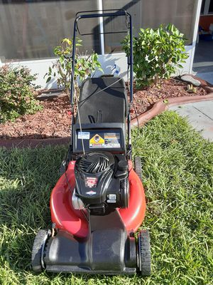 Yard machine self propelled lawn mower for Sale in Kissimmee, FL