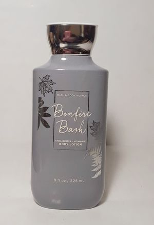 Kn1000 NEW bath and body works bonfire bash shea butter coconut oil vitamin e lotion 8 fl oz for Sale in Southaven, MS