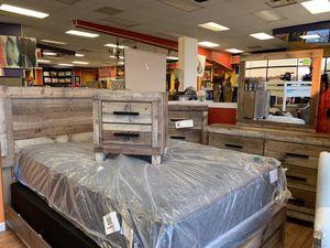 New 5pc Queen Antique Natural Wood Look Bedroom Set for Sale in Norfolk, VA