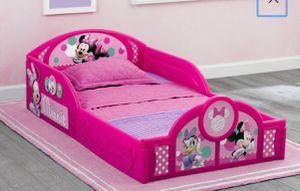 Toddler bed Minnie / cama para niña for Sale in San Leandro, CA