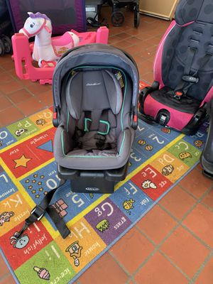 Graco car seat and base $30 firm!! for Sale in Lexington, NC