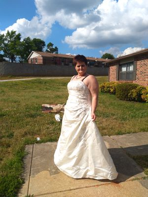 David's bridal wedding dress plus size for Sale in Easley, SC