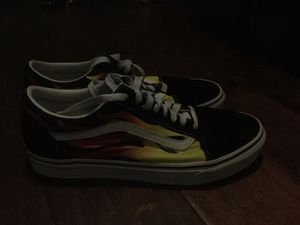 Men's vans shoes worn, size 9.5 for Sale in West Lake Hills, TX