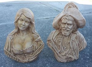 """Vintage Holland Mold Pirate and Wench Ceramic Statues 12"""" & 10.5"""" Tall for Sale in Orlando, FL"""