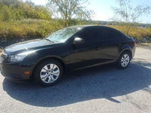 2013 Chevy Cruze LS 4 cylinders 112 k miles 4 cylinders for Sale in Falls Church, VA
