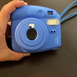 Instax Mini 9 Polaroid Camera for Sale in Georgetown,  TX