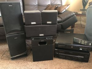 Sony 5 CD/DVD player, Receiver and surround sound speakers for Sale in Chandler, AZ