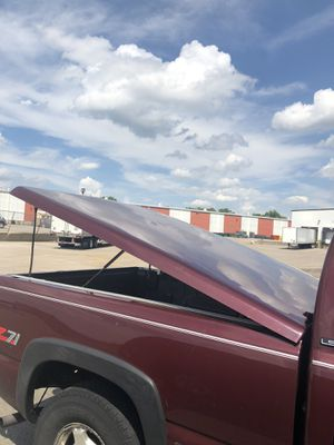 Topper for chevy 6.5 ft bed for Sale in Belvidere, IL