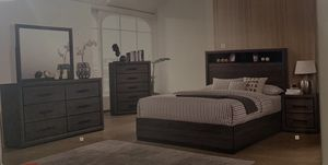 We have this nice queen bedroom set same as a picture on sale 🎈🎈🎈🎈$998 5301 n blackstone ave Fresno ca 93710 ready for pick it up today . for Sale in Fresno, CA