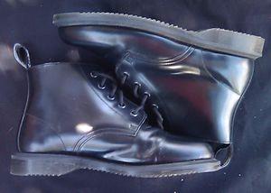 Women's Doc Marten's Air Wair Emmeline Ankle Boot Size 7 for Sale in Berkeley, CA