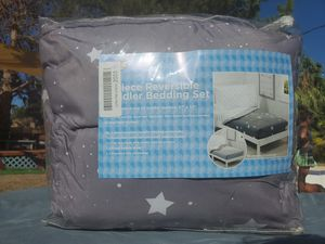 $20 TODDLER BED SET REVERSIBLE for Sale in Las Vegas, NV