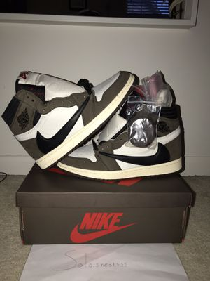 Travis Scott jordan 1 size 9 for Sale in Huntley, IL