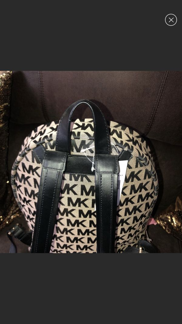 💯 auctentic Michael kors Backpack brand new with tags !!
