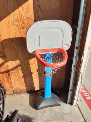 Adjustable basketball hoop for Sale in Hemet, CA