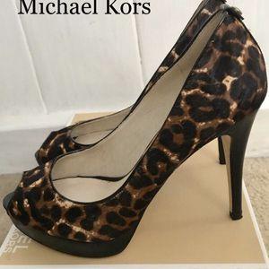 Michael Kors Peep Toe Heels 🌟SALE $50🌟 for Sale in Coyote, CA