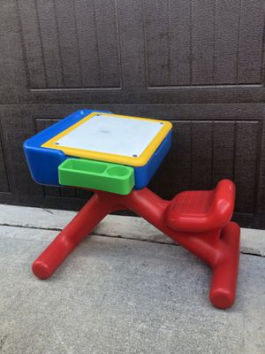 Toddler Craft Desk-Today's Kids for Sale in Humble, TX