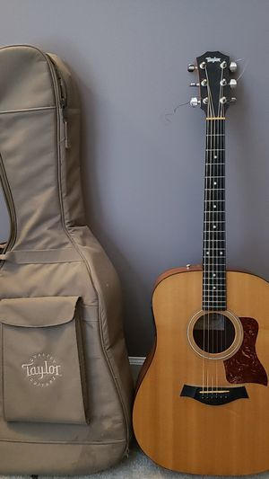 Taylor acoustic electric guitar for Sale in Ashburn, VA