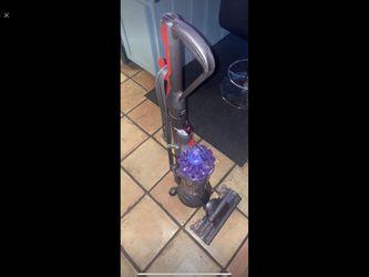 Dyson Small Ball Vacuum for Sale in Dallas,  TX