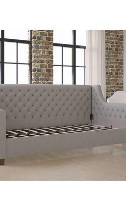DHP Jordyn day bed for Sale in Austin,  TX