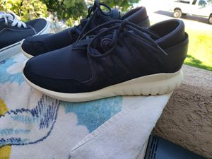 Mens Adidas size 11 new for Sale in Newhall, CA