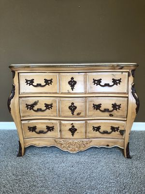 Dresser/ Chest of Drawers for Sale in Fresno, CA