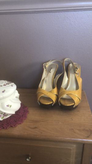 Vintage Yellow Qupid high heels for Sale in Delta, CO