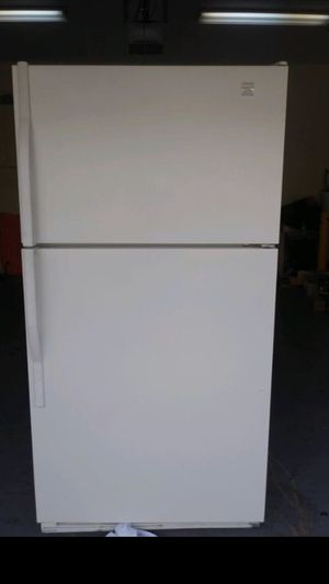 Refrigerator - like new for Sale in Margate, FL