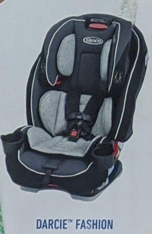 Car Seat : Graco 3 in 1 convertible slimfit for Sale in Phoenix, AZ