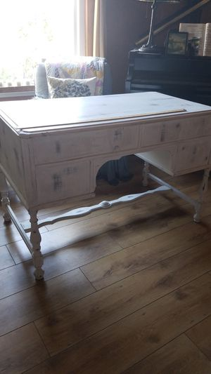 1930s white painted desk for Sale in Coarsegold, CA