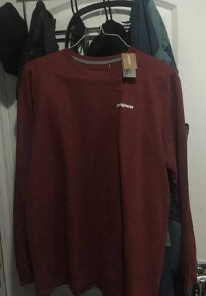 PATAGONIA LONG SLEEVE LARGE for Sale in Garden Grove, CA