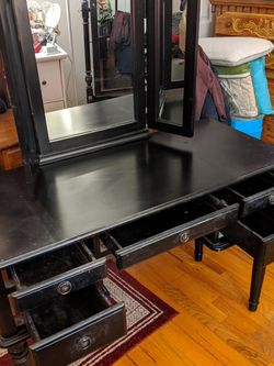 Black Makeup Wood Vanity for Sale in Staten Island,  NY