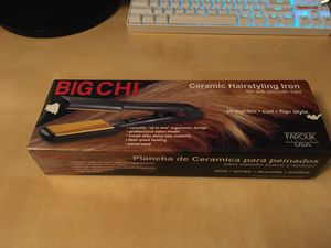 NEW Big Chi 2-Inch ceramic flat iron hair straightener for Sale in Phoenix, AZ