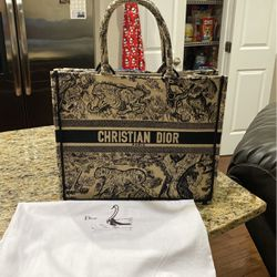 Christian Dior,Custome A klass quality summer bag for Sale in Pikesville,  MD