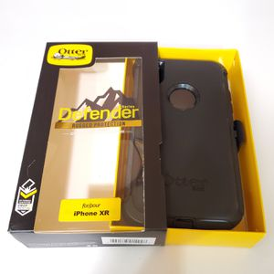 iPhone XR Otterbox Defender Series Case with belt clip holster for Sale in Santa Clarita, CA
