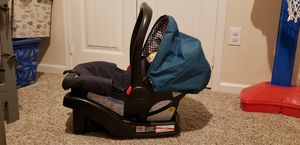 Stroller and car seat with base for Sale in Creedmoor, TX