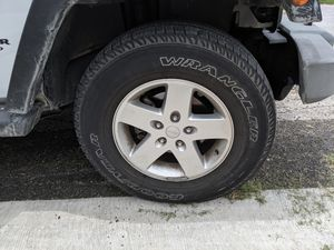Jeep Wrangler wheels and tires for Sale in Austin, TX