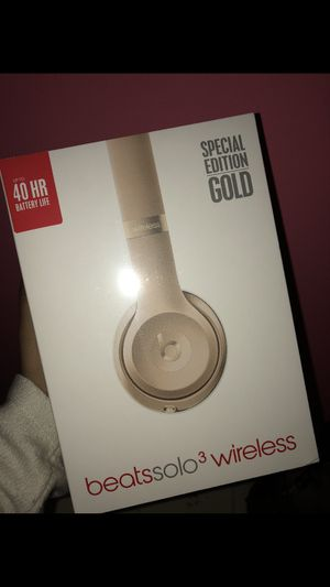 Beats Solo 3 Wireless BNIB Special Edition Gold for Sale in Alexandria, VA