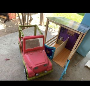 Journey girl stable set with car and camper for Sale in Whittier, CA