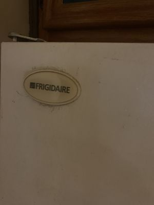 Frigidaire Frig with ice maker for Sale in Lancaster, PA