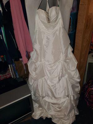 Wedding dress for Sale in Baxter Springs, KS