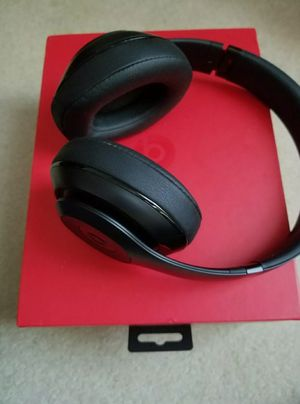 Beats Studio 2.0 Wireless Bluetooth Headphones for Sale in Clifton, VA