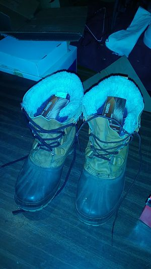Men size 8 winter work boots for Sale in Palmdale, CA
