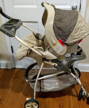 Graco stroller, base & car seat for Sale in Metairie, LA