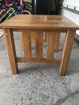 Side wood table for Sale in Orlando, FL