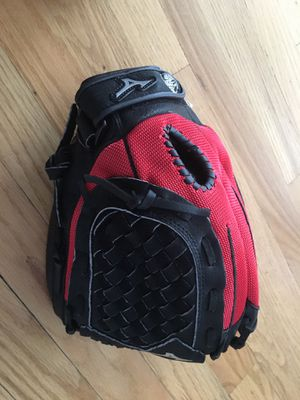 Brand new Mizuno youth baseball glove for Sale in Lutherville-Timonium, MD